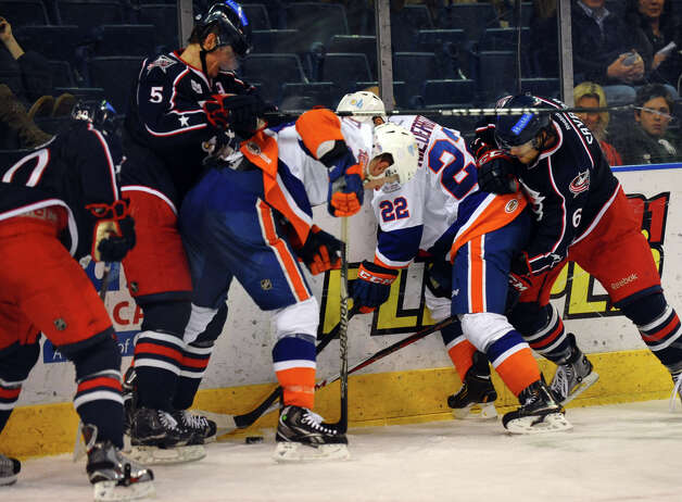 Hockey action between Springfield and Sound Tigers at the Webster Bank Arena in Bridgeport, Conn. on Tuesday February 12, 2013. Photo: Christian Abraham / Connecticut Post