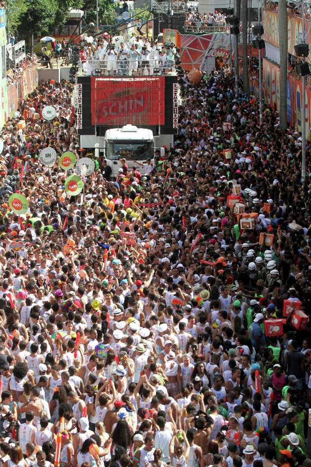 General view of the Parade Block at Circuit Campo Grande in Carnival on February 12, 2013 in Salvador, Brazil. Photo: Getty