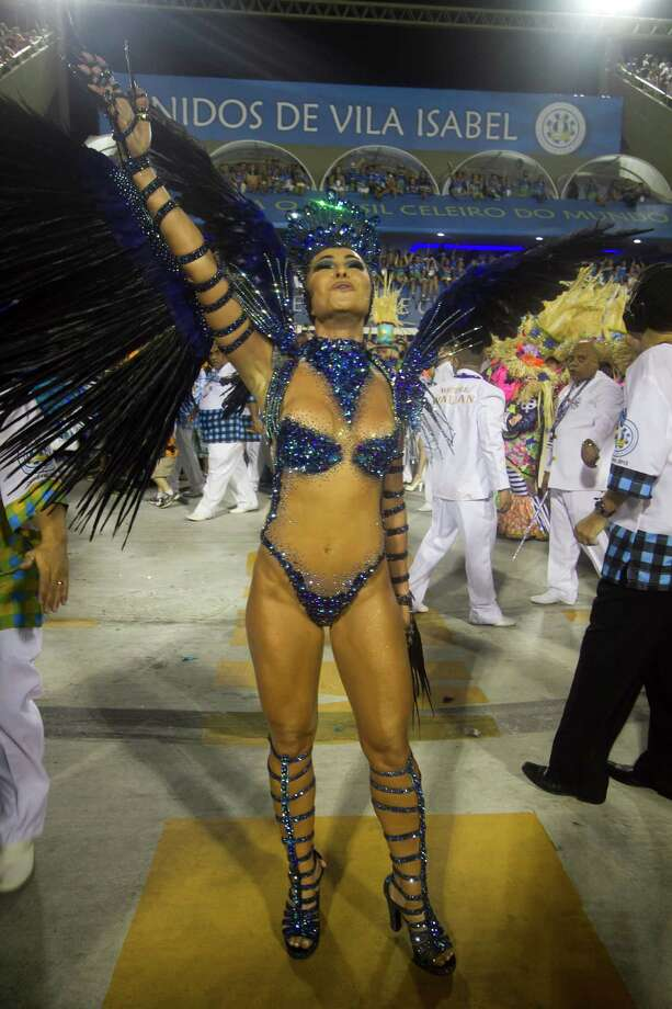 Members of Unidos de Vila Isabel dance during Carnival 2013 at Sambodrome Marques da Sapucai on February 12, 2013 in Rio de Janeiro, Brazil. Photo: Getty