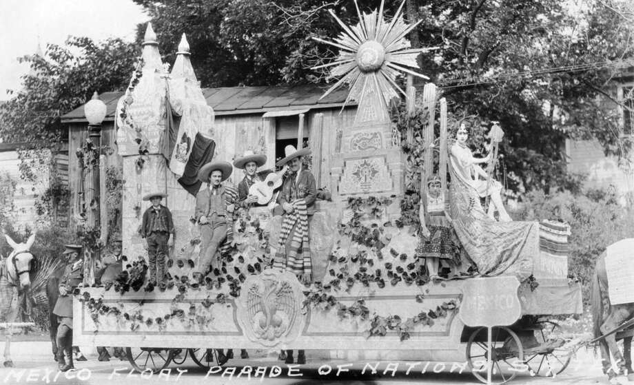 This float representing Mexico was in the Parade of Nations on April 20, 1927. Photo: Courtesy Arcadia Publishing