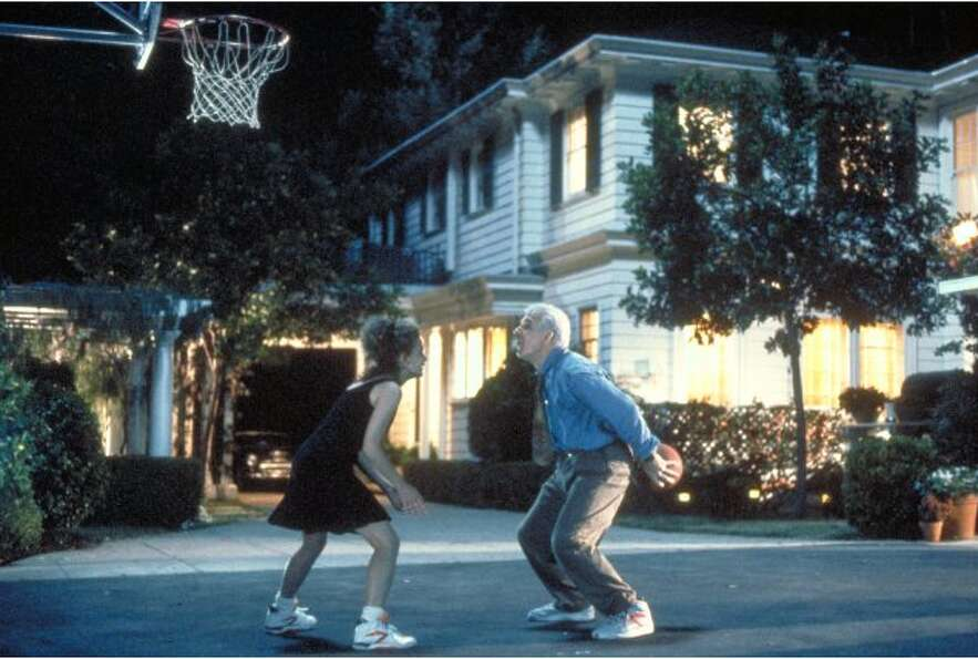 Steve Martin shoots hoops with his daughter in Father of the Bride (1991)