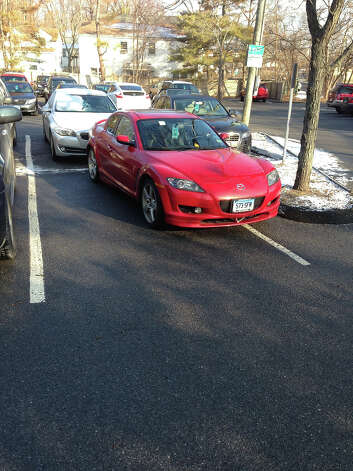 Poorly parked cars from Badparkingpics.com Photo: Badparkingpics.com