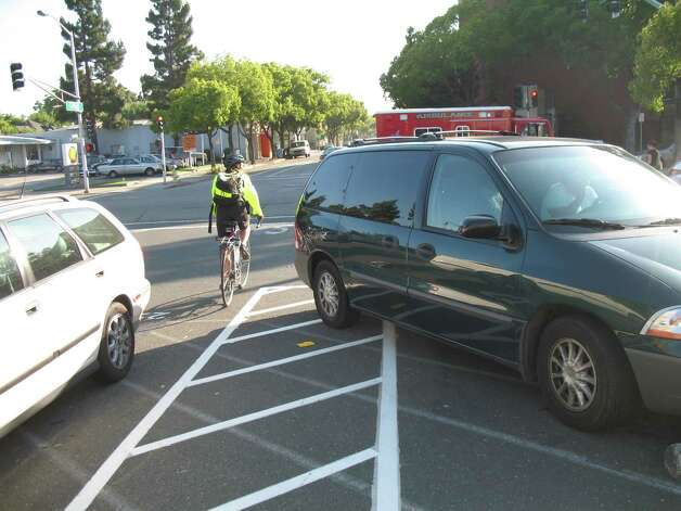 Parking fail in Palo, Alto, California. Photo: Richard Masoner / Cyclelicious/Flickr.com
