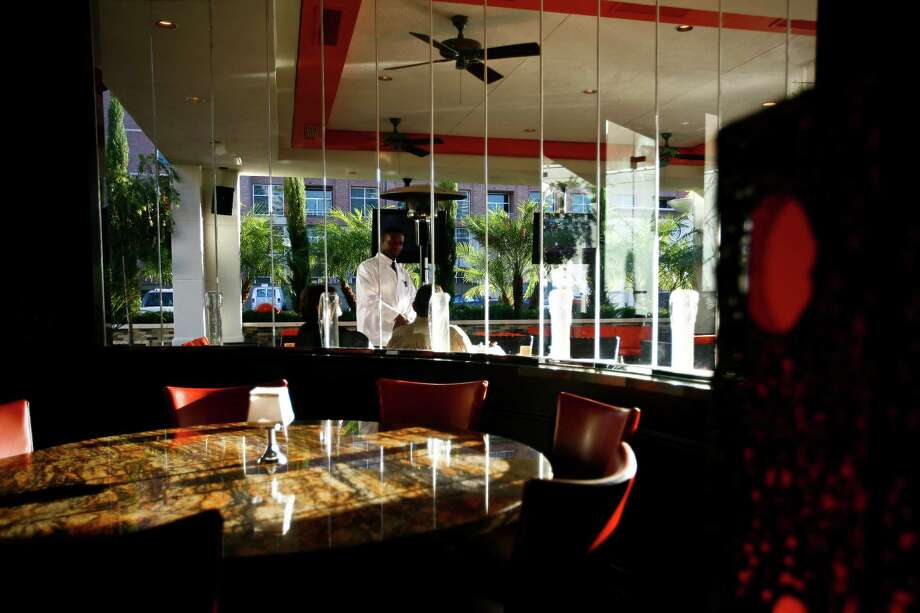 Mo's - A  Place for Steaks at 1801 Post Oak Blvd. will close Oct. 29, 2016. >>Click to see other restaurants that closed in 2016.  Photo: Michael Paulsen, Staff / Houston Chronicle
