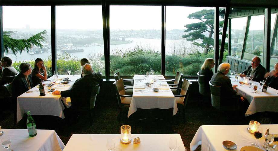 Canlis cocktails with a view: Via Sue Frause on Facebook. Photo: Gilbert W. Arias, Seattle Post-Intelligencer / Seattle P-I