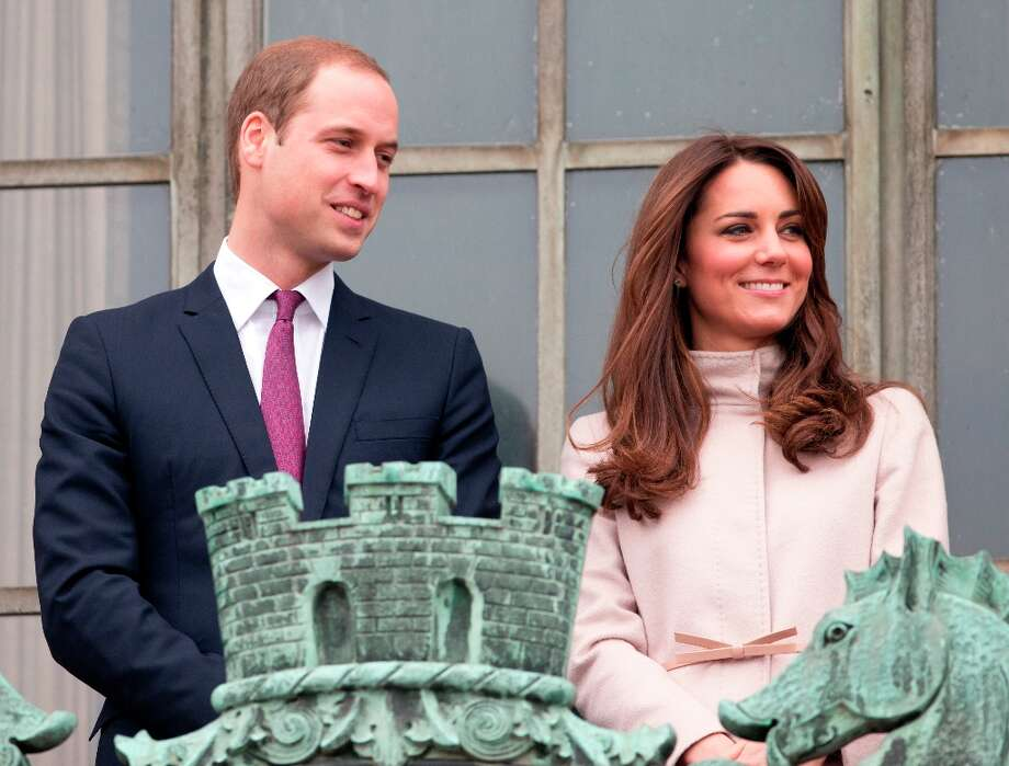 Prince William, Duke of Cambridge and Catherine, Duchess of Cambridge stand on the balcony of The Guildhall during their first official visit to Cambridge on November 28, 2012, in Cambridge, England. Photo: Indigo, Getty Images / 2012 Indigo