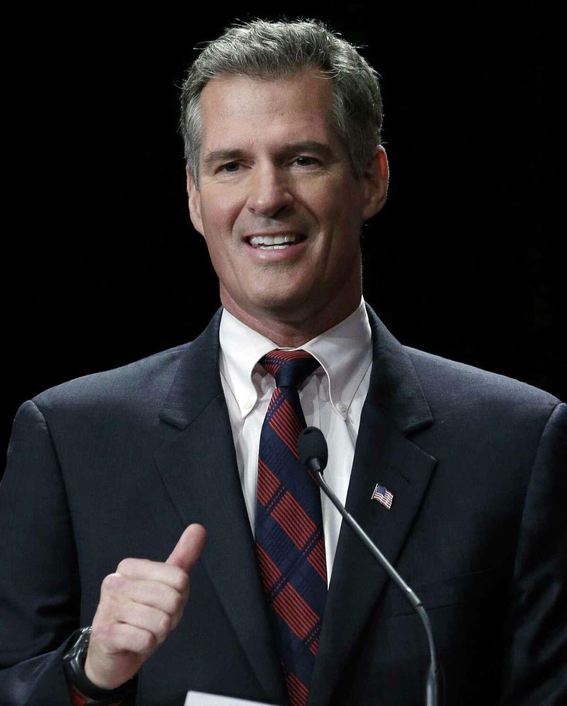 Former Sen. Scott Brown will offer commentary on several programs for Fox News.