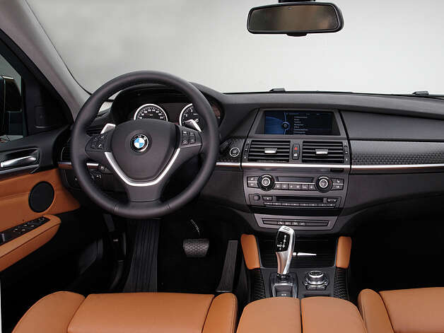 2013 BMW X6 xDrive35i (photo courtesy BMW)