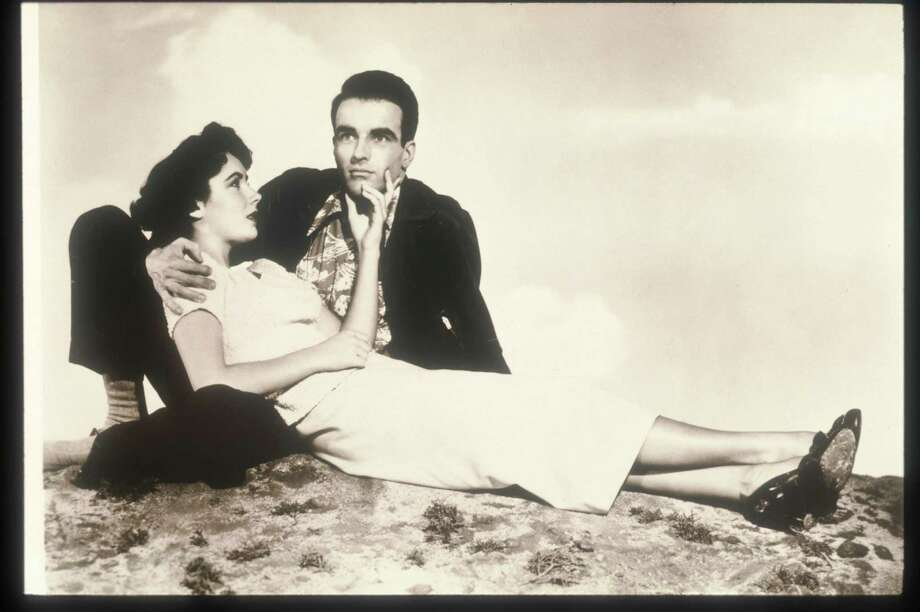 Elizabeth taylor and Montgomery Clift in A PLACE IN THE SUN, famous for the tell Mama scene. Photo: Getty Images / Getty Images North America