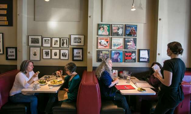 Diners enjoy lunch at Saul's Deli in Berkeley.