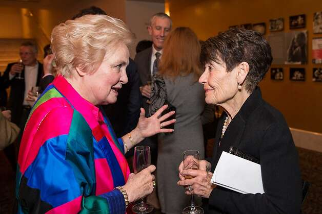 Joanne Franklin Knox and Frannie Fleishhacker chat during the event. Photo: Drew Altizer Photography