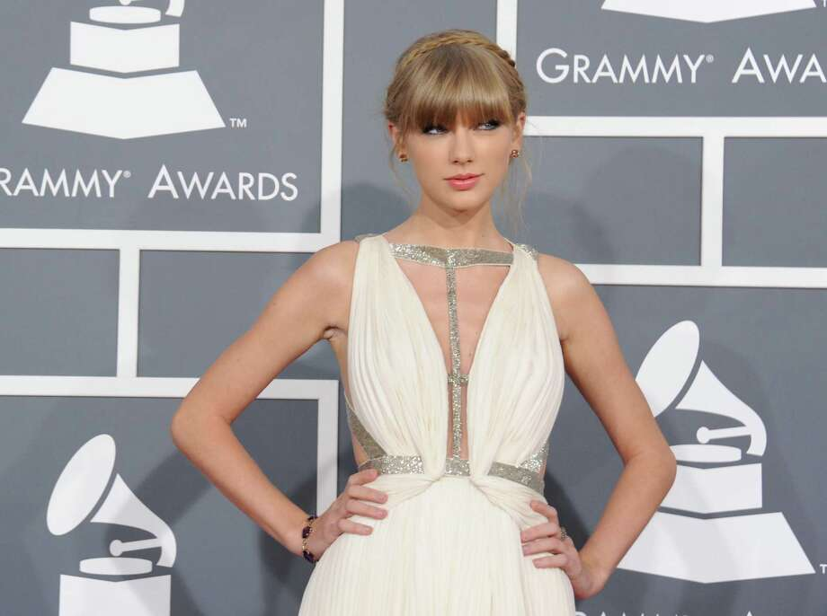 Taylor Swift: The pop star has a Lexus SC 430.Source: Yahoo Photo: Jordan Strauss, AP / Invision