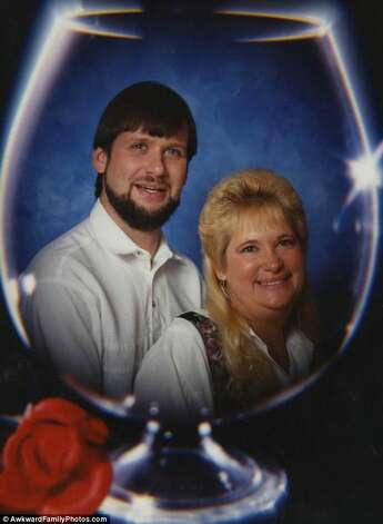 Their love was as perfect as a wine glass. Photo: © AwkwardFamilyPhotos.com