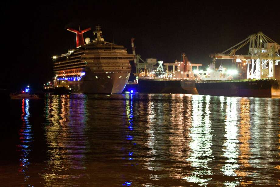 The stranded Carnival Triumph ship makes its way to the Alabama Cruise Terminal in Mobile on Thursday. (Photo by Johnny Hanson/Chronicle) 