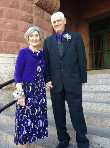 Marcella Moran and Ray Sigley arrive early for the 2 p.m. ceremony at Bexar County Courthouse on Valentine's Day. Photo: Sarah Tressler/Express-News