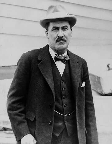 Portrait of British archaeologist Howard Carter (1874 - 1939), who in 1922, under the patronage of George Herbert, discovered the Tomb of Tutankhamun in the Valley of The Kings, Thebes, Egypt. Photo: Hulton Archive, Getty Images / Getty 2013