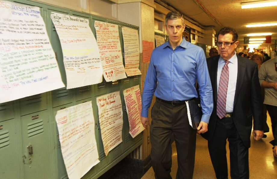 Education Secretary Arne Duncan visits Lee High School Friday, Feb. 15, 2013.  (Brett Coomer/Chronicle)