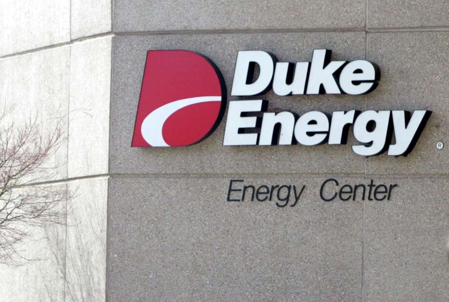 Duke Energy: Duke Energy pays its interns an average salary of $3,390 per month, or $40,680 a year. Photo: NELL REDMOND, AP / AP