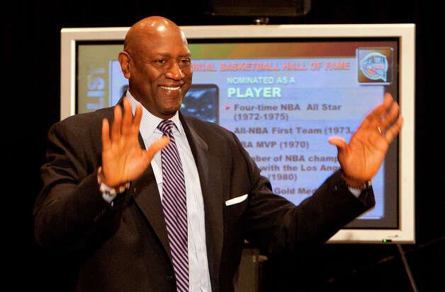 Basketball Hall of Fame candidate Spencer Haywood waves during a press conference announcing the 2013 Hall of Fame finalists. Photo: Cody Duty, Houston Chronicle / © 2013 Houston Chronicle
