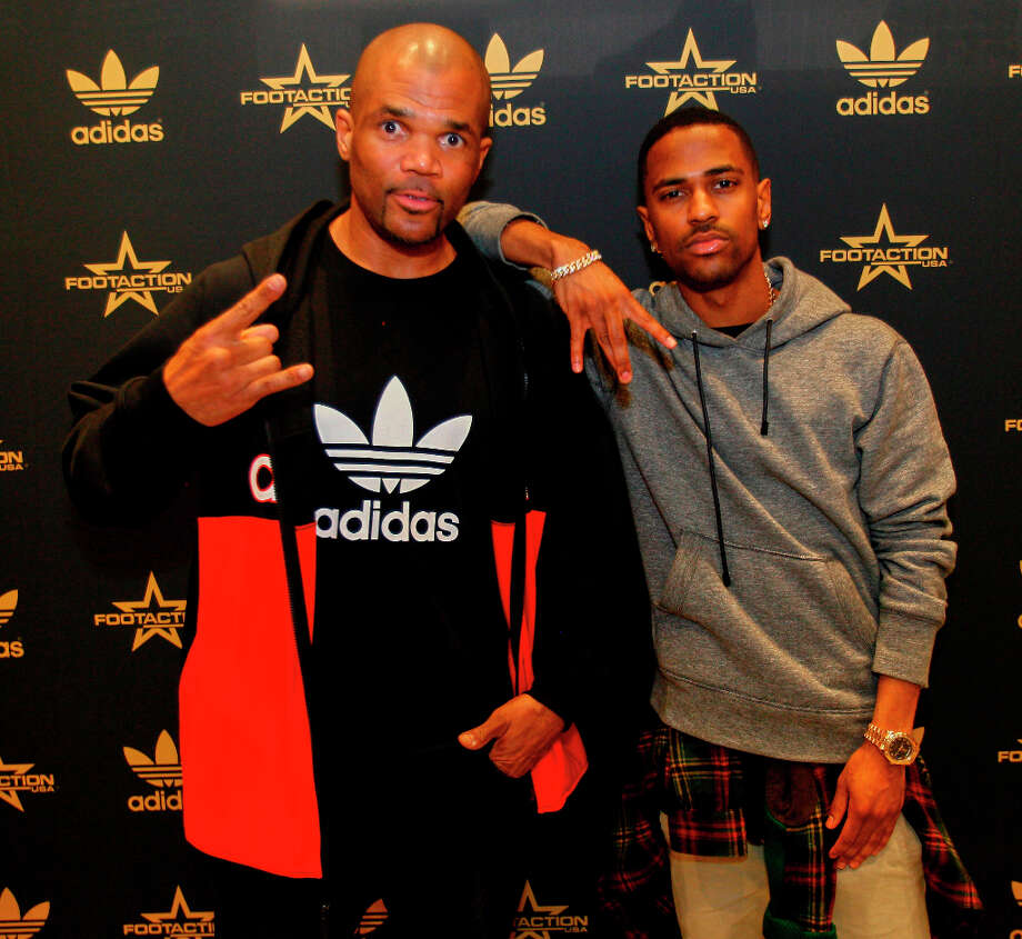 DMC and Big Sean at Willowbrook Mall. Photo: Bob Levey