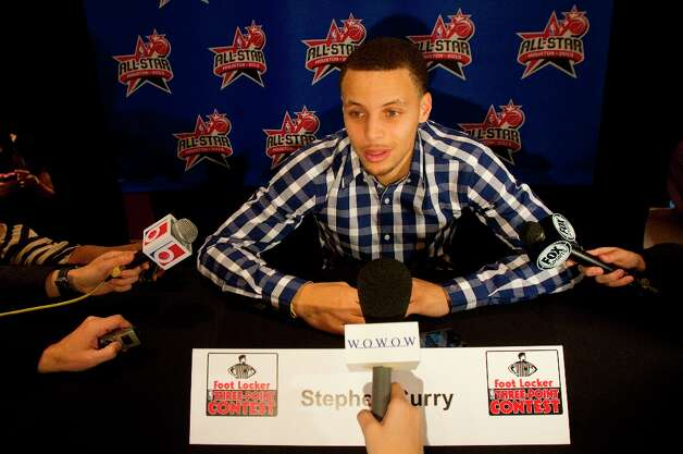 Stephen Curry is interviewed during a media day. Photo: Cody Duty / © 2013 Houston Chronicle