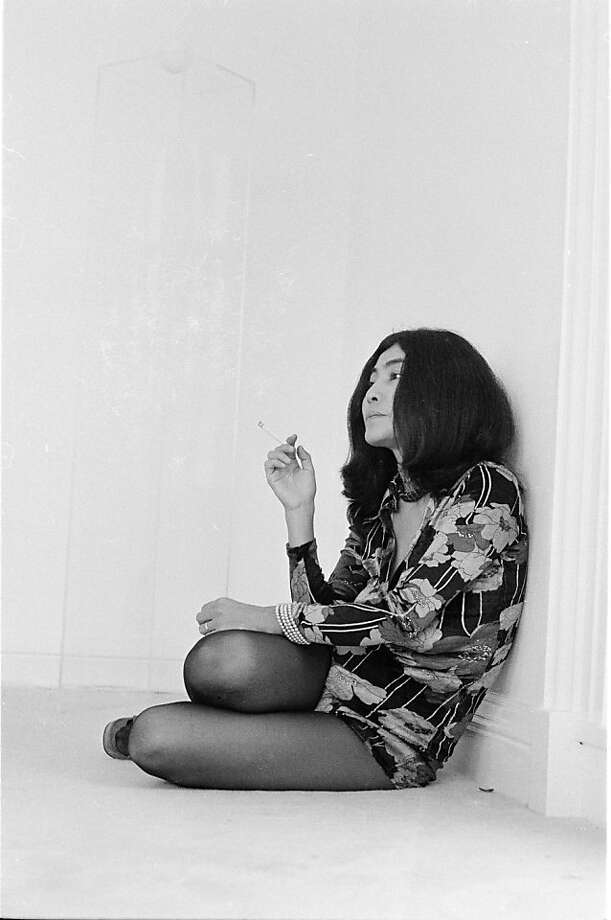 Yoko Ono, at home, during a John Lennon interview, Tittenhurst Park, near Ascot, Berkshire, July 1971. (Photo by Michael Putland/Getty Images) Photo: Michael Putland