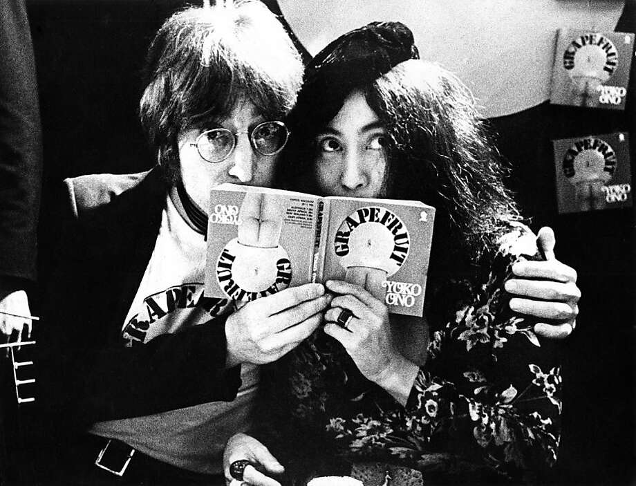 John Lennon and Yoko Ono in Selfridges department store, Oxford Street, London in 1971 to promote the publication of the 2nd edition of Yoko Ono's book Grapefruit. (Photo by Gijsbert Hanekroot/Redferns) Photo: Gijsbert Hanekroot