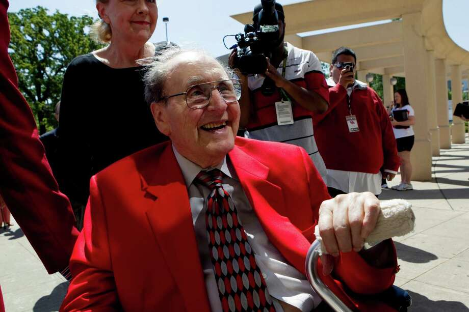 It would be a great belated 91st birthday gift should former UH coach Guy Lewis earn induction into the Basketball Hall of Fame. Photo: Johnny Hanson, Staff / Houston Chronicle