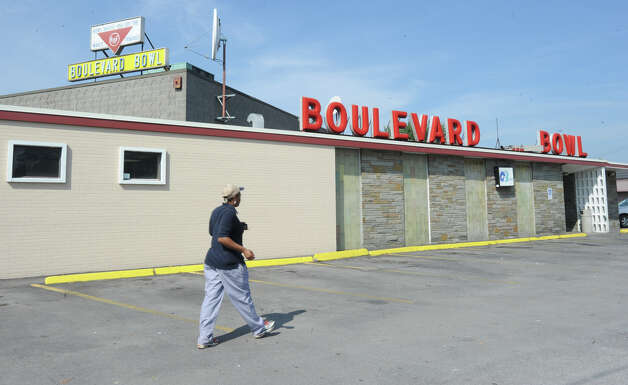 Exterior of the Boulevard Bowl bowling alley in Schenectady, N.Y. Tuesday, Sept. 27, 2011. (Lori Van Buren / Times Union) Photo: Lori Van Buren / 00014781A