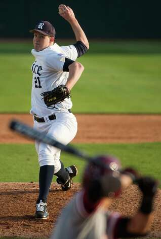 Rice pitcher Austin Kubitza delivers a pitch. Photo: Smiley N. Pool, Houston Chronicle / © 2013  Houston Chronicle