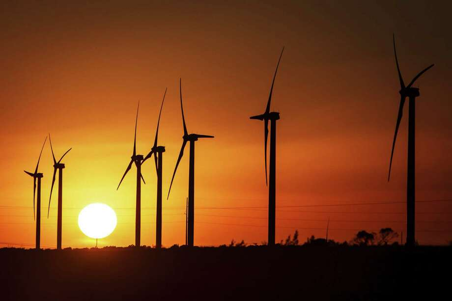 Wind energy doesn't carry the political weight it did a decade ago, so advocates are gearing up to defend legislative policies that have helped make Texas the leading state in wind power. One lawmaker plans to propose renewing a tax incentive until 2024. Photo: Michael Paulsen / Houston Chronicle