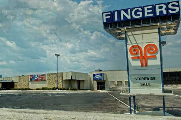Prominent site on I-45 South goes on market - HoustonChronicle com