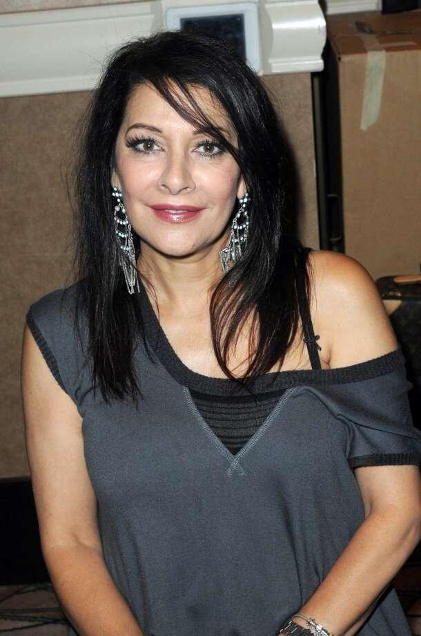 Marina Sirtisin 2012.