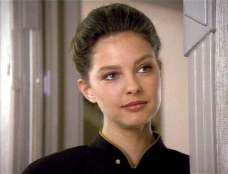 Ashley Judd was among many actors who made guest appearances on TNG. Judd played Ensign Robin