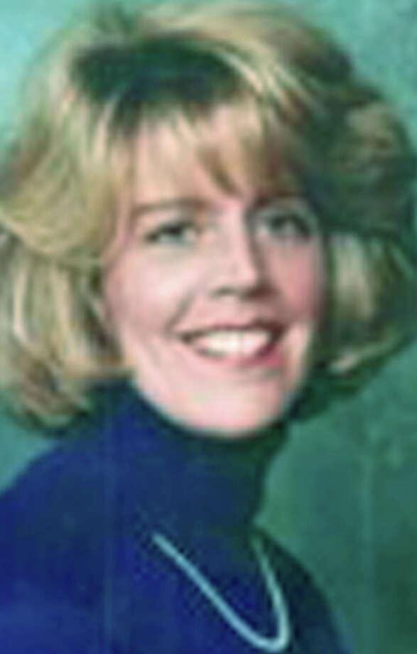 Elizabeth J. Benn, 50, of Cos Cob, formerly of Ridgefield, died Feb. 4, 2013 at Memorial Sloan Kettering Cancer Center in New York, N.Y. Elizabeth was born Feb. 16, 1962 in Danbury, daughter of Robert C. and Gladys (Breckwoldt) Benn of Ridgefield, Photo: Norm Cummings