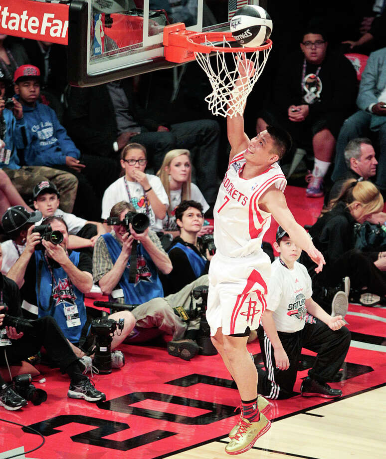 Jeremy Lin of the Houston Rockets competes in the NBA All-Star Skills Challenge. Photo: Billy Smith II, Houston Chronicle / © 2013 Houston Chronicle