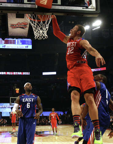 Blake Griffin of the Los Angeles Clippers (32) goes up for a dunk during the first half of the NBA All-Star Game at the Toyota Center on Sunday, Feb. 17, 2013, in Houston. Photo: James Nielsen, Houston Chronicle / © 2013  Houston Chronicle