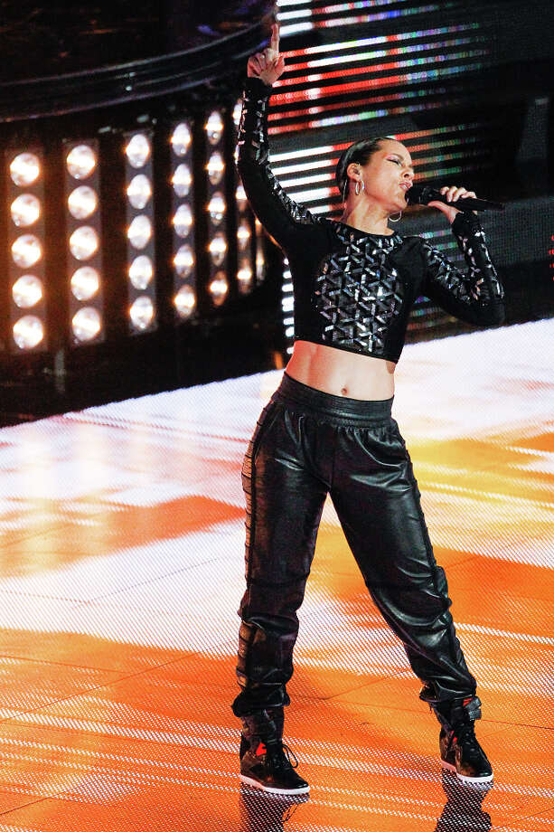 Alicia Keys performs during halftime. Photo: Cody Duty, Houston Chronicle / © 2013  Houston Chronicle