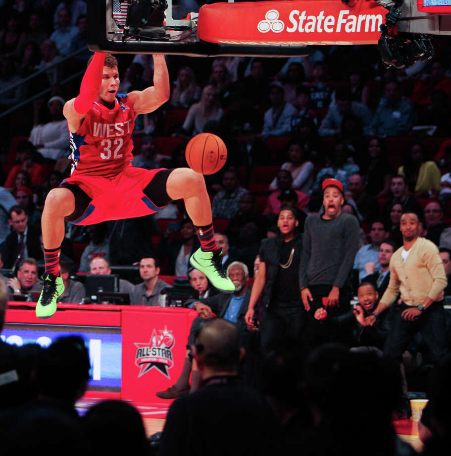 Blake Griffin of the Los Angeles Clippers dunks the ball during the second half. Photo: James Nielsen, Houston Chronicle / © 2013  Houston Chronicle