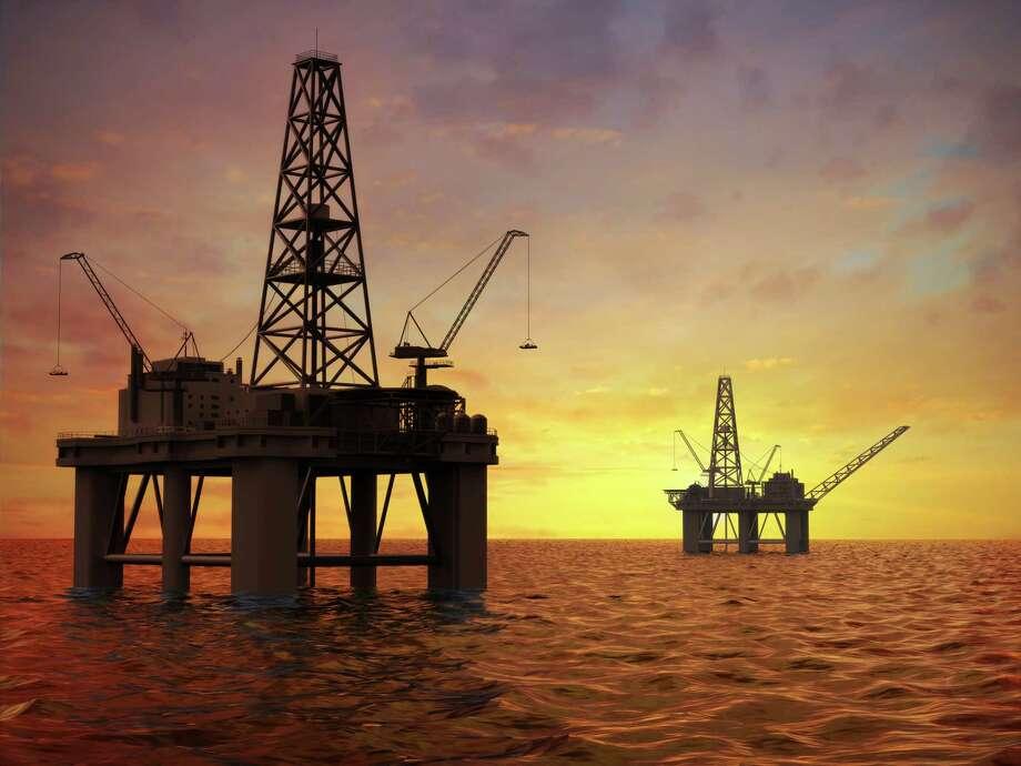 Oil rigs Photo: Svetl. Tebenkova / Hemera
