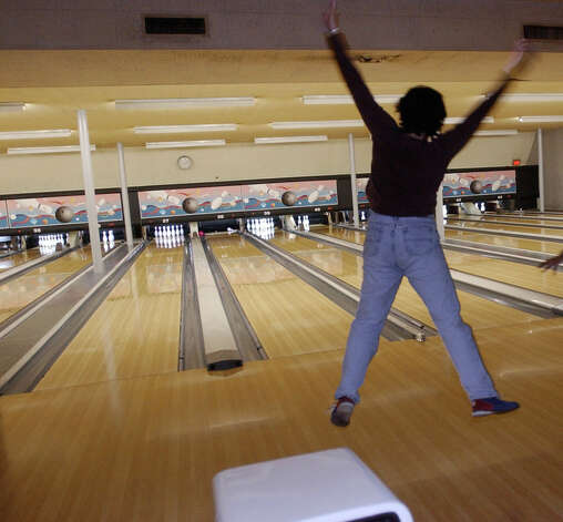 """Moeller's Bakery. Palace Lanes (pictured, in 2002)."" - Lauren Paul Photo: Kim Christensen, Special To The Chronicle / Freelance"