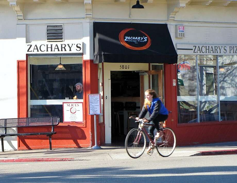 Zachary s Chicago Pizza, Oakland Photo: Stephanie Wright Hession