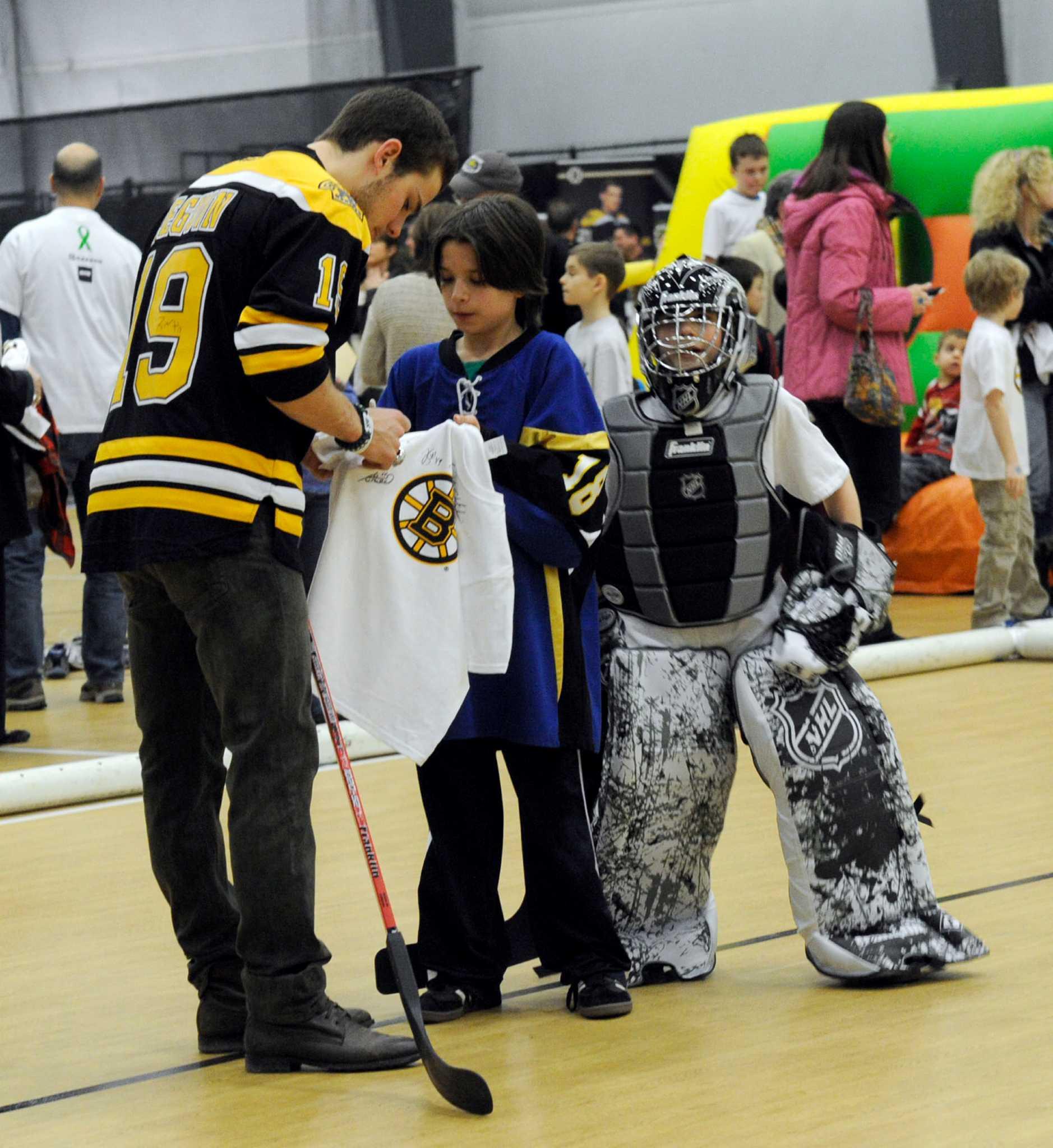 Boston Bruins, Stanley Cup Visit Newtown