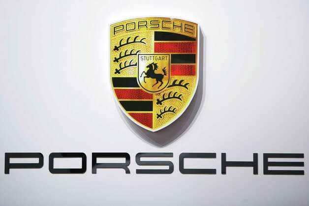 Porsche Photo: SEBASTIAN DERUNGS, Getty Images / 2011 AFP