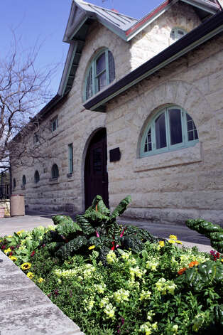 The Carriage House Bistro at the Botanical Garden. Photo: KEVIN GEIL, SAN ANTONIO EXPRESS-NEWS / SAN ANTONIO EXPRESS-NEWS