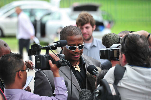 DJ Fresh at Reeva Steenkamp's memorial service at the Victoria Park Crematorium on February 19, 2013 in Port Elizabeth, South Africa. Steenkamp was allegedly murdered by boyfriend, Oscar Pistorius on February 14, 2013. Pistorius, who has been charged with the murder, is appearing in court today for his bail hearing. Photo: Gallo Images, Getty Images / 2013 Gallo Images (PTY) LTD
