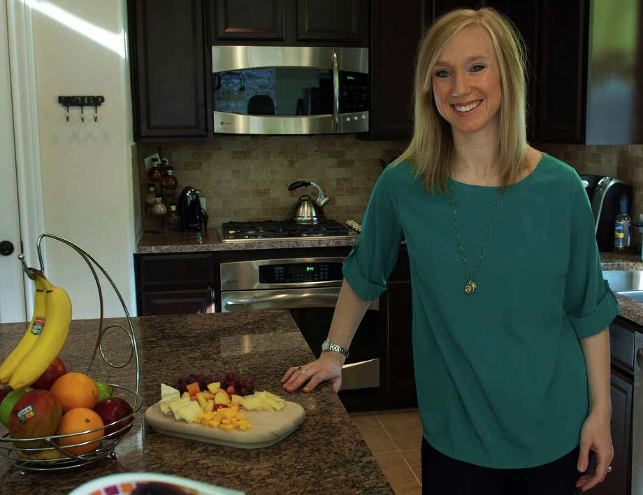 Portrait of Lindsay Essery in her kitchen, Feb. 2, 2013 Photo: Steve Faulisi, San Antonio Express-News / ©2013 San Antonio Express-News