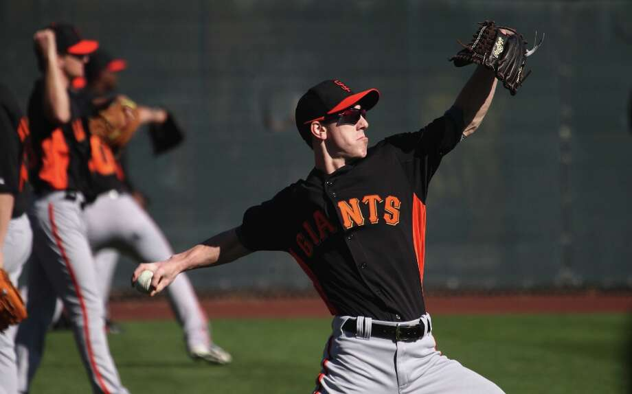 Tim Lincecum throws during warm ups at spring training. Photo: Lance Iversen, The Chronicle / ONLINE_YES