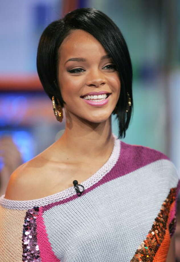 The asymmetrical haircut Rihanna.  Photo: Scott Gries, Getty / 2007 Getty Images