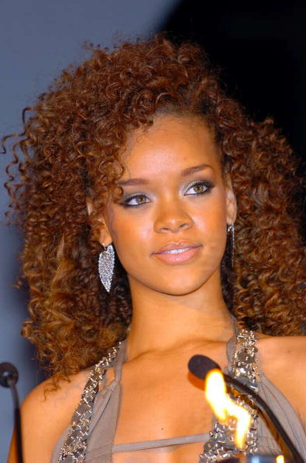 The curly-haired Rihanna.  Photo: Gustavo Caballero, Getty / 2006 Gustavo Caballero